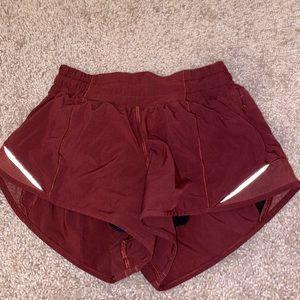 Lululemon Hotty Hot II shorts